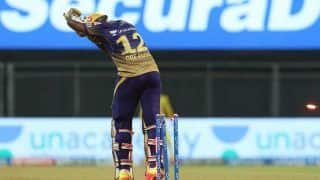 Andre Russell Clean Bowled by Sam Curran in Most Bizarre Fashion During KKR-CSK IPL 2021 Game | WATCH VIDEO